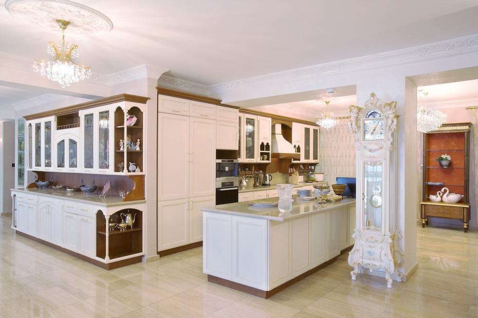 kitchen in opera baroque style