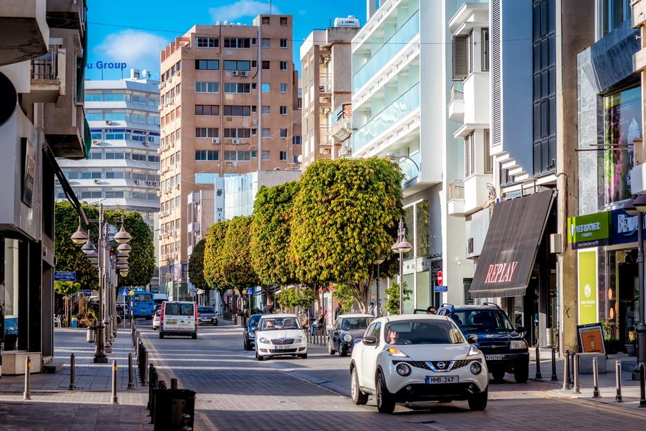 shopping street anexartisisas limassol cyprus