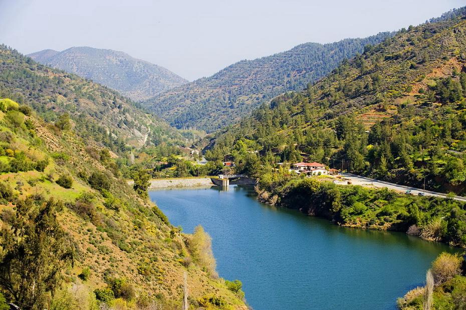 Kalopanayiotis Dam cyprus